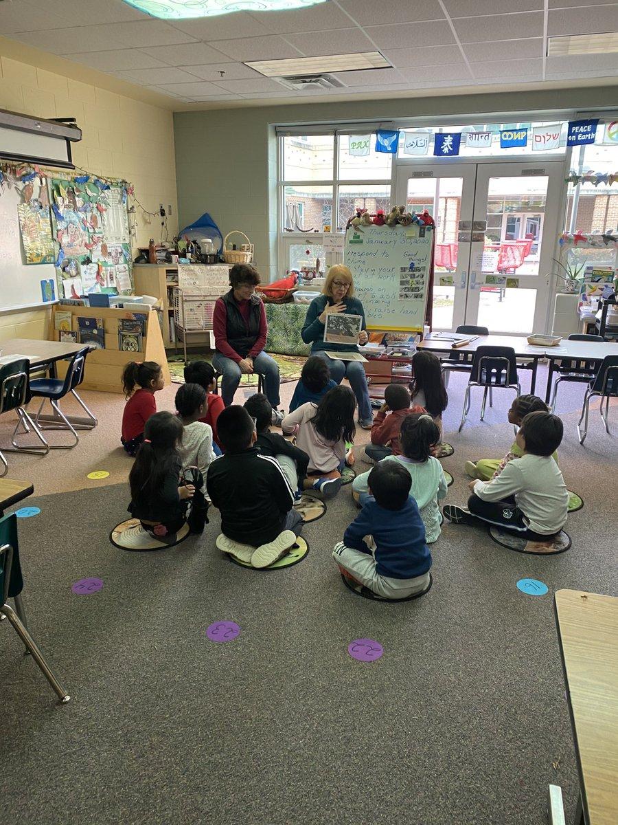 Community volunteer visits Carlin Spring first graders. <a target='_blank' href='https://t.co/0cdSwvUnTG'>https://t.co/0cdSwvUnTG</a>