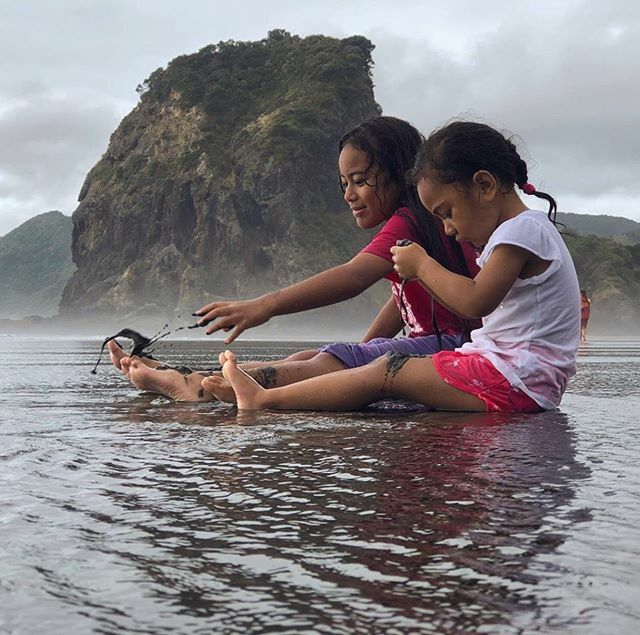 """""""So frequently we mistakenly believe that our children need more things, when in reality their silent pleadings are simply for more of our time."""" --President Thomas S. Monson #family #childrenarethefuture #familytime https://t.co/7TeIwRwgH0 https://t.co/n77iqDBen3"""
