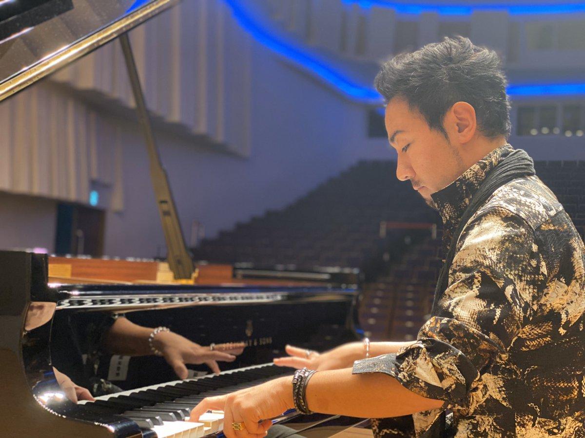 本 ピアニスト 7 指 の