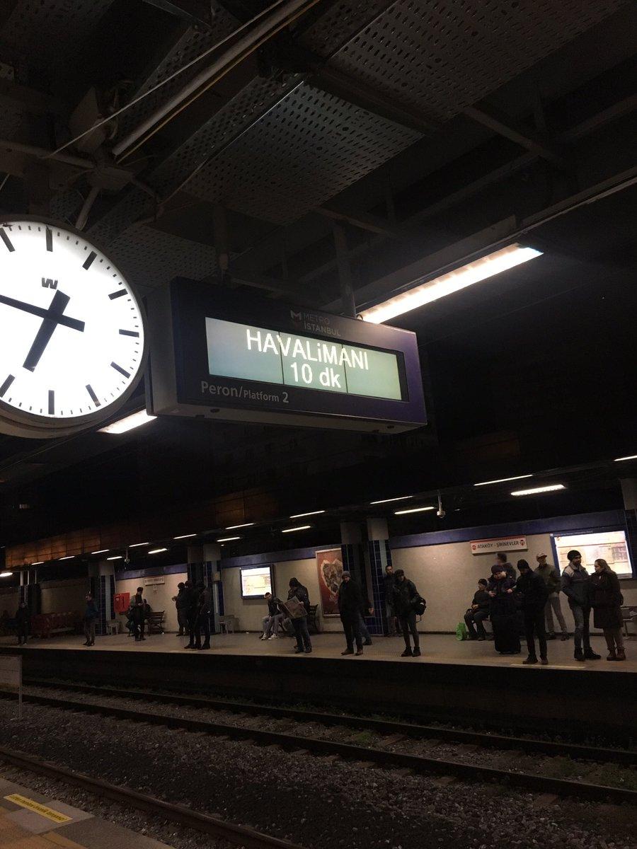 Yeter yeterrrr. Ulan gene 10 dakika bir kerede 2 dakika bekleyeyim ne biletim son dakika yetişeyim bir kere ya bir kere amk.