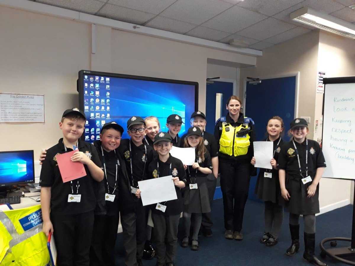 CSO Rudd helping to keep children safe with the mini police @St Marys Primary #communityengagement #jarrow #minipolice