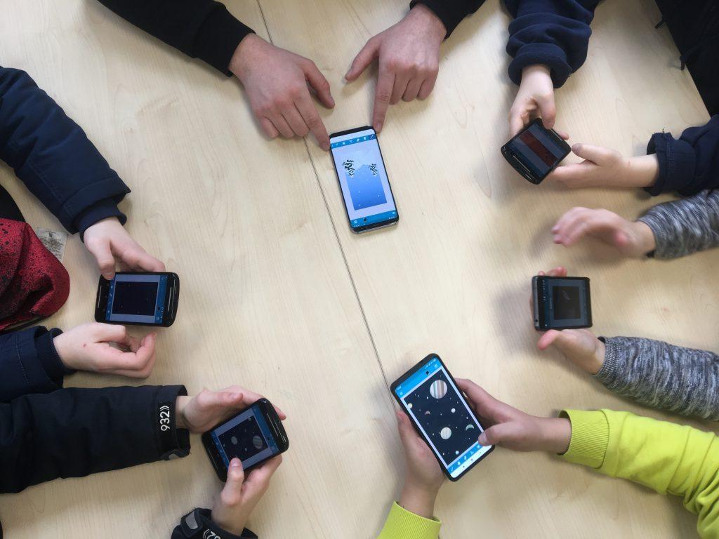 Eine gut gelungene Zusammenfassung der Lehrers inkl. Eindrücke zum gemeinsamen Programmier-Workshop am vergangenen Mittwoch an der Universität #Hildesheim  #coding #games #creativity #creativecoding #art #gbl #Catrobat #InformatikDidaktik #informatik  https://oskar-schindler-gesamtschule.de/workshop-programmieren-lernen-am-institut-fuer-informatik-didaktik-der-uni-hildesheim/…pic.twitter.com/v3HuLYqnZH