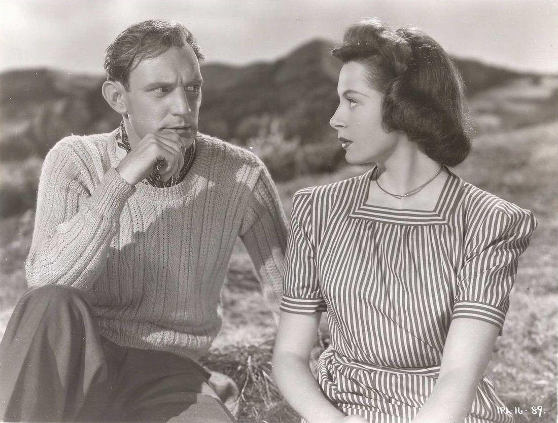 Trevor Howard and Deborah Kerr in I See a Dark Stranger(1946)