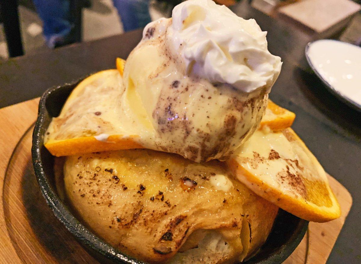 【ヘミングウェイ 江ノ島HANARE】 @神奈川:片瀬江ノ島駅から徒歩1分 オレンジ×マスカルポーネを組み合わせたベーグルフレンチトーストを食べられるお店。 香ばしい焼きたてベーグルフレンチトーストはモチモチな仕上がり! オレンジの酸味とマスカルポーネの爽やかな風味が相性抜群のスイーツ✨#PR
