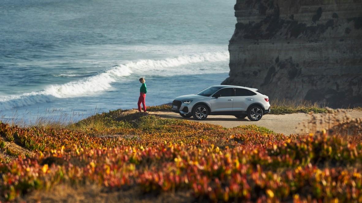 Aventurière charismatique. Nouvelle #Audi #Q3 #Sportback. https://t.co/rSUMv4Vqr9