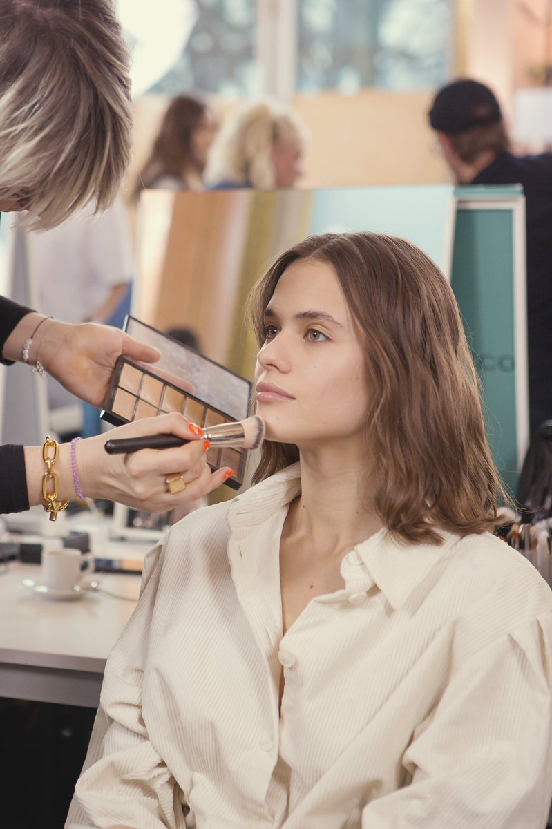 Backstage preparations with ZUHAIR MURAD Couture Spring Summer 2020.  Make-Up by: Vimi Joshi #VimiJoshi @maccosmetics  #maccosmeticsfrance #maccosmeticsmiddleeast #ZMrealm  #FémininesSacrées https://t.co/ZEaHS0c6M8