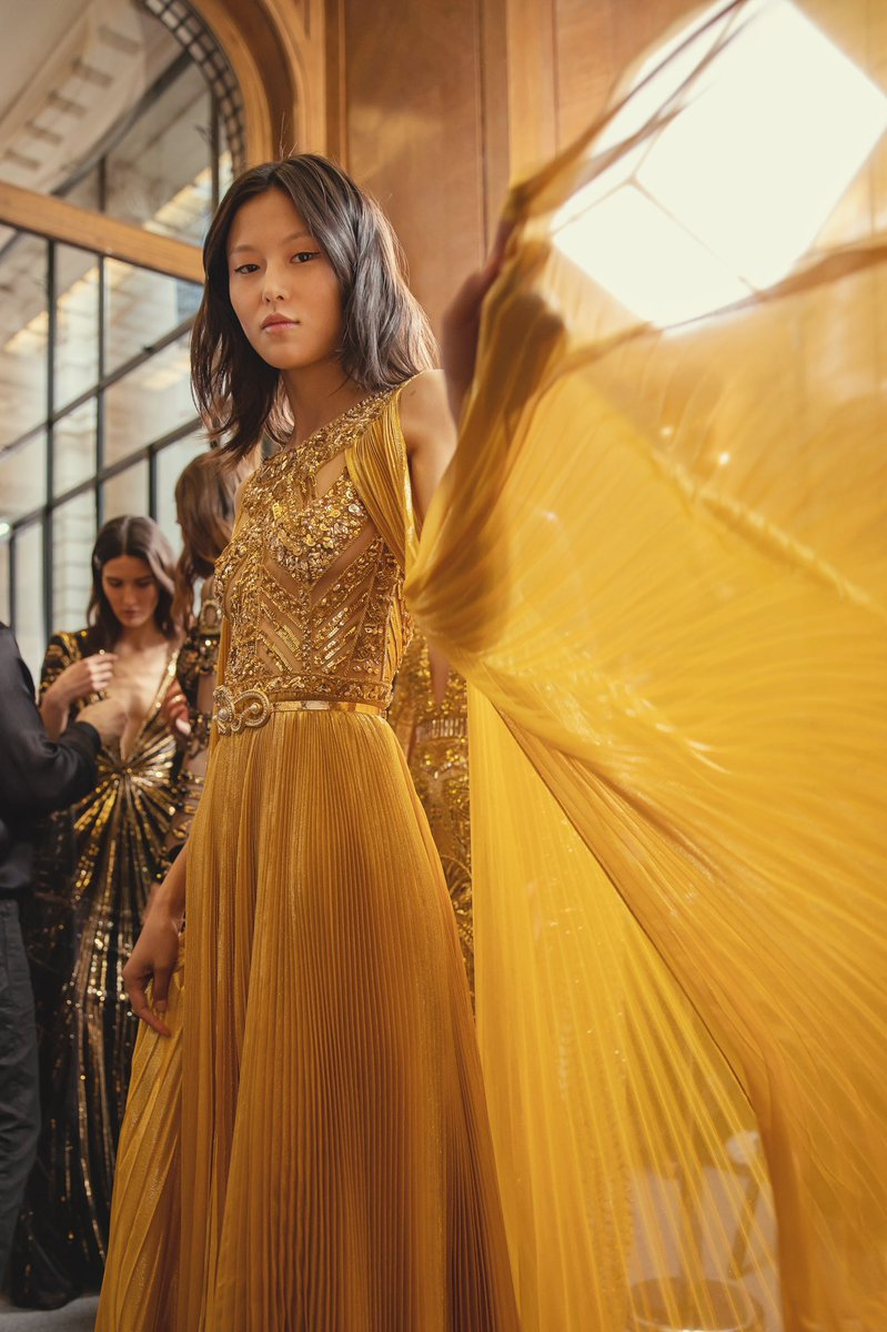 Moments before the show, backstage with ZUHAIR MURAD Couture Spring Summer 2020.  Make-Up by: Vimi Joshi #VimiJoshi @maccosmetics  #maccosmeticsfrance #maccosmeticsmiddleeast #ZMrealm  #FémininesSacrées https://t.co/H6kNW7f2tK