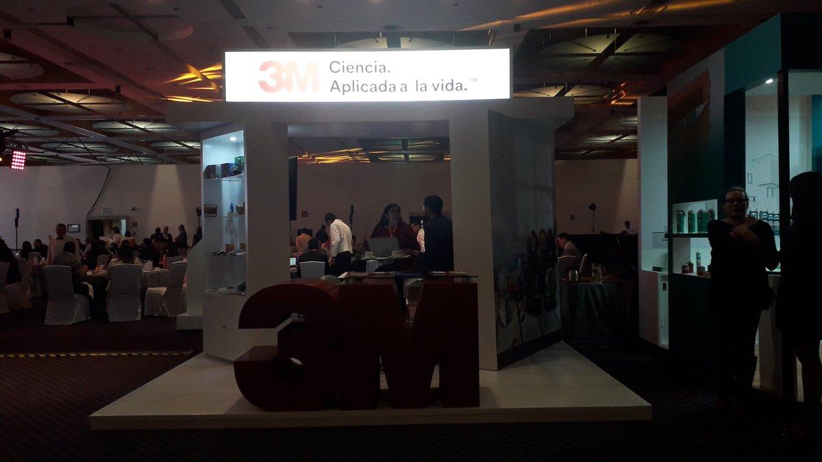 @3Mmexico Ya listos en este Segundo Gran Congreso del Canal Ferretero.
