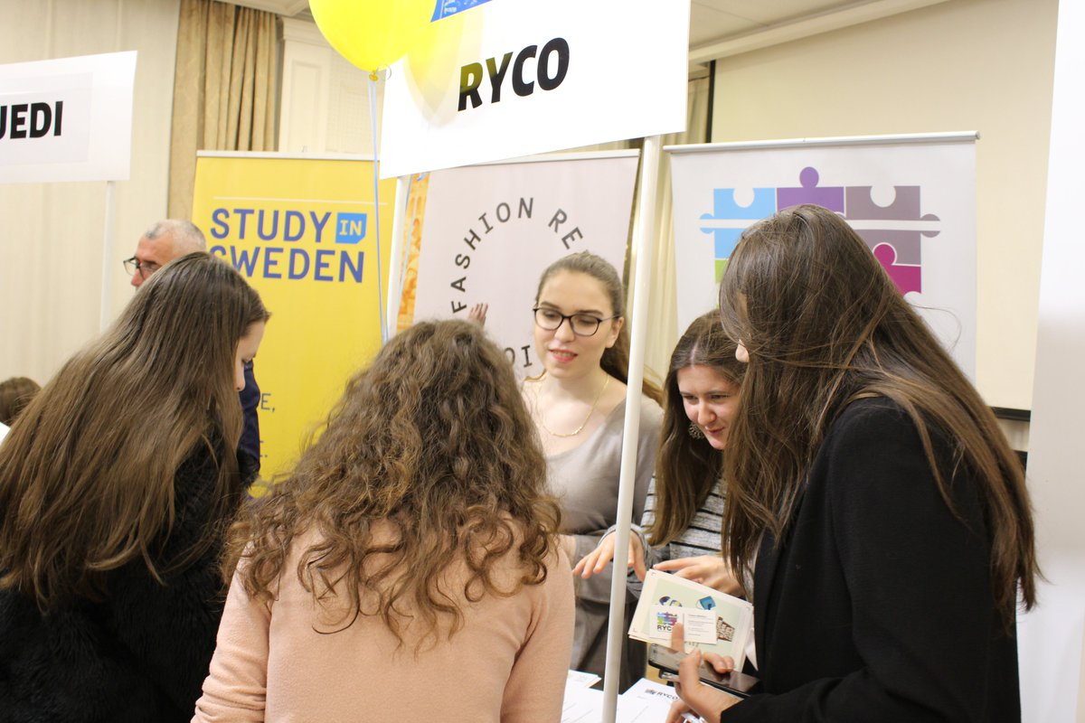 Do you think that young people are empowered & heard in the #EUintegration?  We believe that youth should take a stronger role! #RYCO was excited to hear vibrant talks for more #proactive, #nonformal learning opportunities in the region   Morehttps://www.rycowb.org/?p=7566 pic.twitter.com/kChIfPrj39