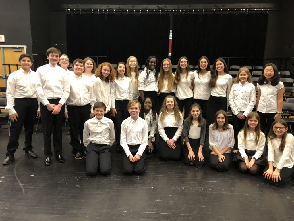 Over 20 students from <a target='_blank' href='http://twitter.com/WMS_WolfPack'>@WMS_WolfPack</a> who sang in APS's honors chorus last weekend. They did an incredible job!!  <a target='_blank' href='http://twitter.com/BoykinBryan'>@BoykinBryan</a> <a target='_blank' href='http://twitter.com/APSArts'>@APSArts</a> <a target='_blank' href='http://search.twitter.com/search?q=apsartscelebrate'><a target='_blank' href='https://twitter.com/hashtag/apsartscelebrate?src=hash'>#apsartscelebrate</a></a> <a target='_blank' href='https://t.co/TazznIBsOW'>https://t.co/TazznIBsOW</a>