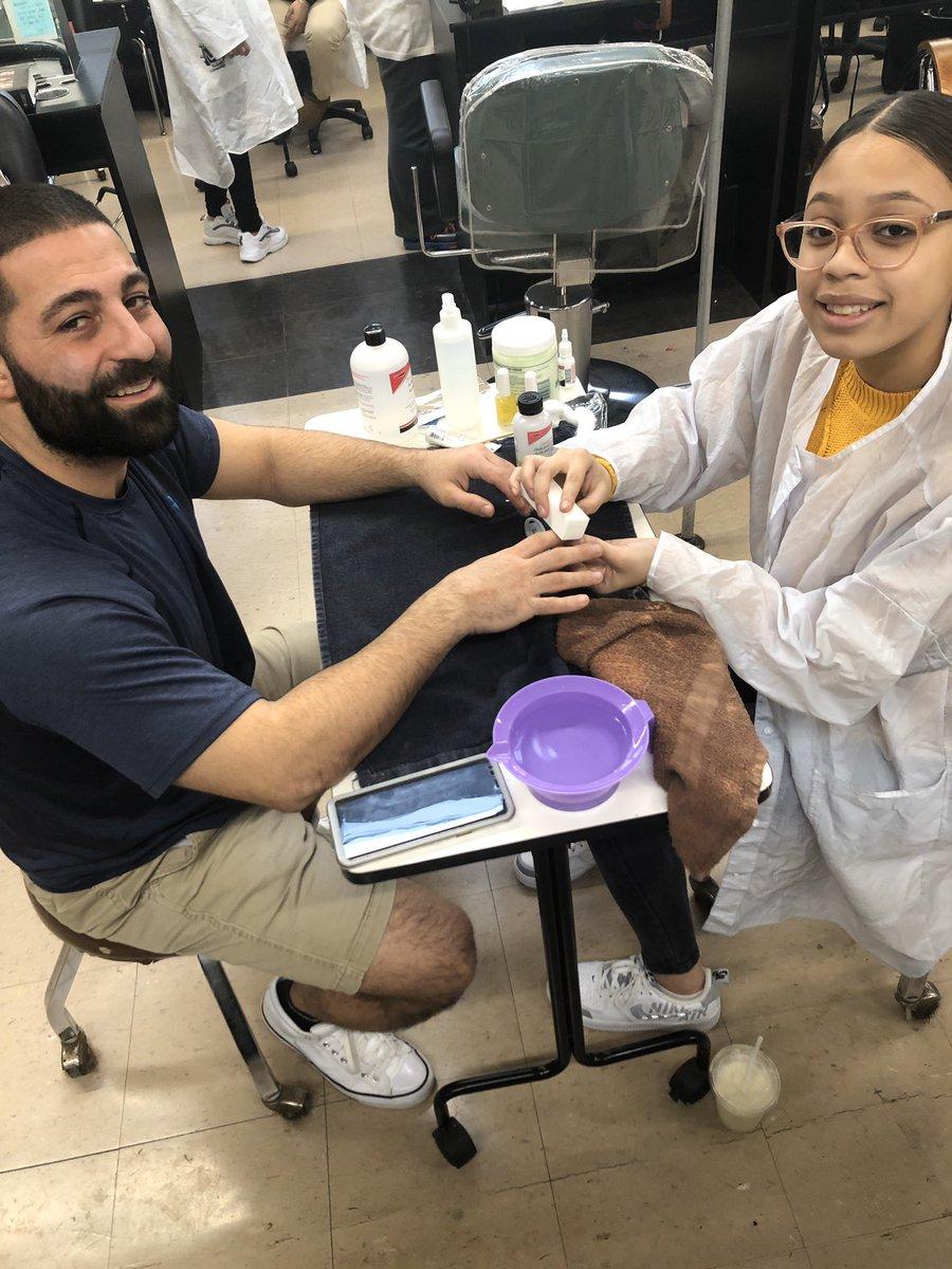 Coach Pizzi getting a manicure by Mrs. Burns'  sophomore Soraya....love the support Pizz! #cosmetology #cosmetologystudent #manicure #naillove #teacherssupportingstudents #cteclassesmatter #bhs #bhsbucs http://instagram.com/p/B7_8HQ2pjqN/…pic.twitter.com/pRZvccf4EN