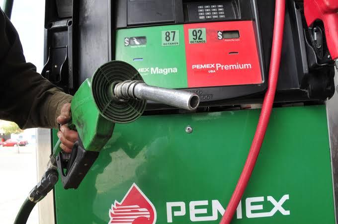 Gasolina será pagada con impuestos