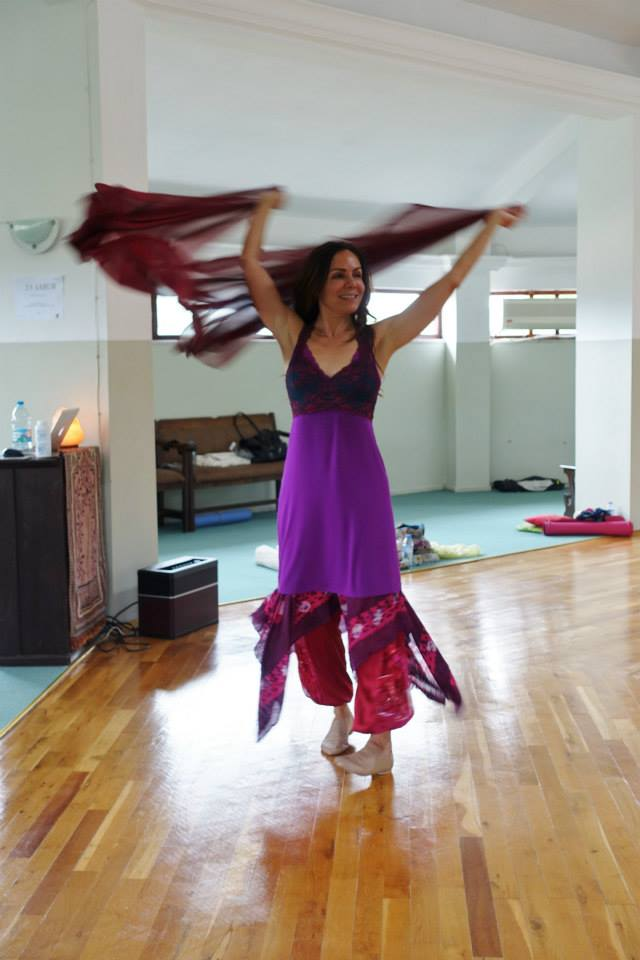 Last chance to receive a free 30-min online dance session with me and to save $200 when you register for our Womb of Compassion Retreat in Turkey May 1-8.  The Early Bird rate ends tomorrow.  https://banafsheh.org/event/womb-compassion-turkey-2020/…  #danceofoneness #banafshehdance #divinefeminine  #sacreddance pic.twitter.com/qwEPUWejXn
