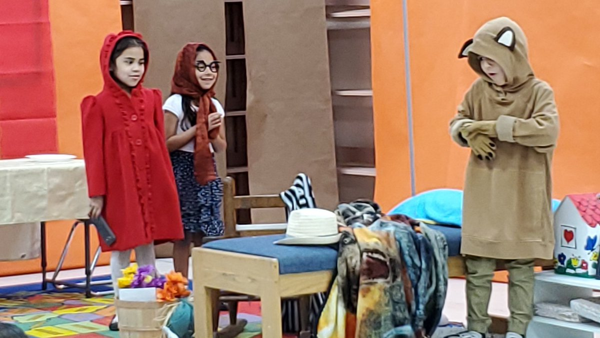 Ms. Dominguez's class performs The Little Red Riding hood! They did an amazing! Way to go Chiefs!