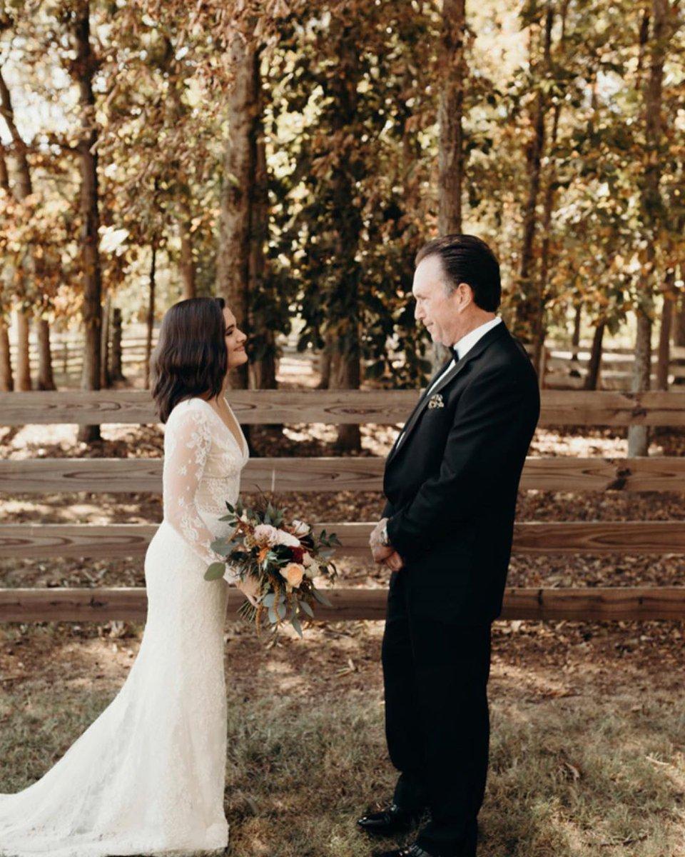 📷| Elle a également posté ces photos qui datent de son mariage (29/01). #1