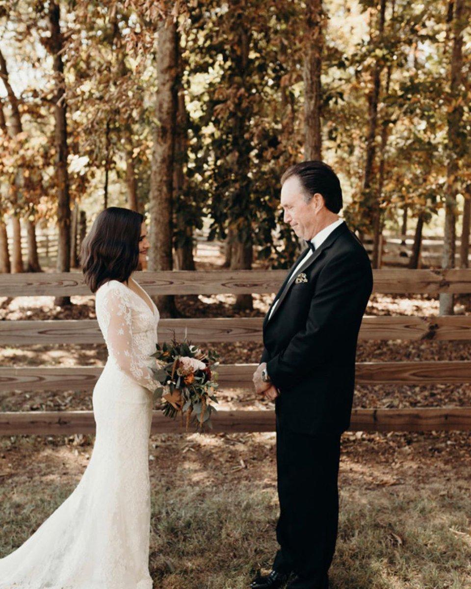 📷| Elle a également posté ces photos qui datent de son mariage (29/01). #2