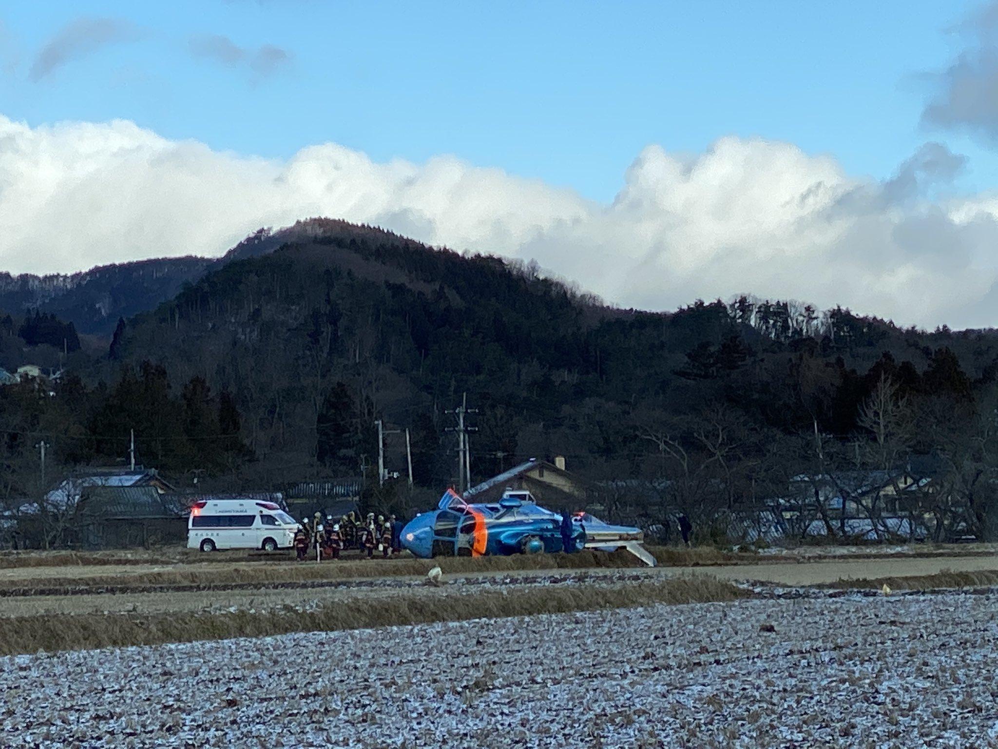 郡山市三穂田町で福島県警のヘリコプターが墜落した事故現場の画像