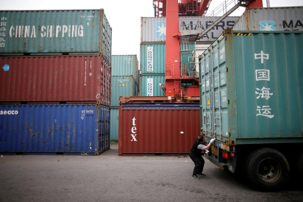 South Korea January exports fall for 14th straight month, virus threat looms