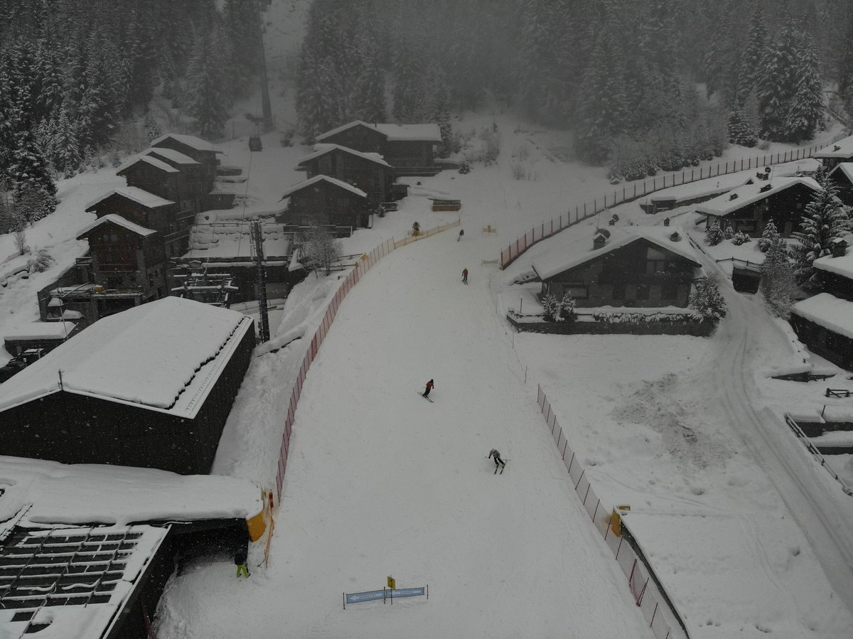 A partly cloudy day here in Champoluc today woth pontential of some more snow over night. With Highs of 2° and Lows of -1° #champoluc #ski2 #bringonthesnow