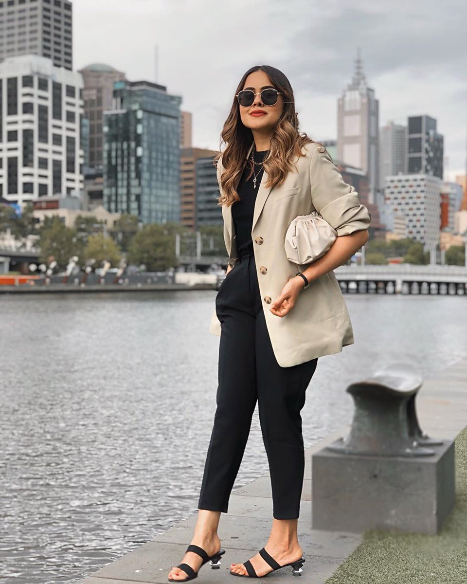 City ready with @ashworethat in the highlight geometric heels http://bit.ly/38xM0Fo  #pedroshoes_official