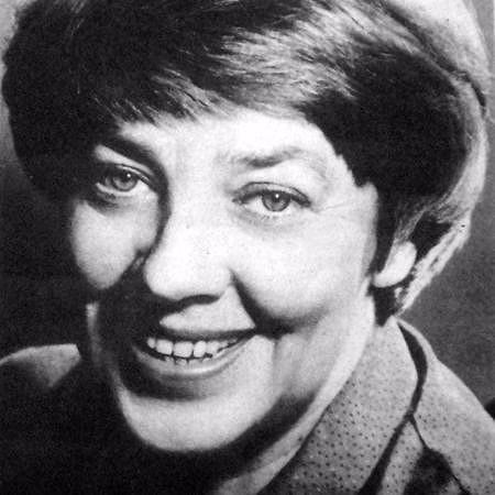 Hoy homenajeamos a María Elena Walsh en el 90 aniversario de su nacimiento. ¡Gracias, Maria Elena, por alegrar nuestras vidas! #MariaElenaWalsh #90años pic.twitter.com/9rrOFrgfer