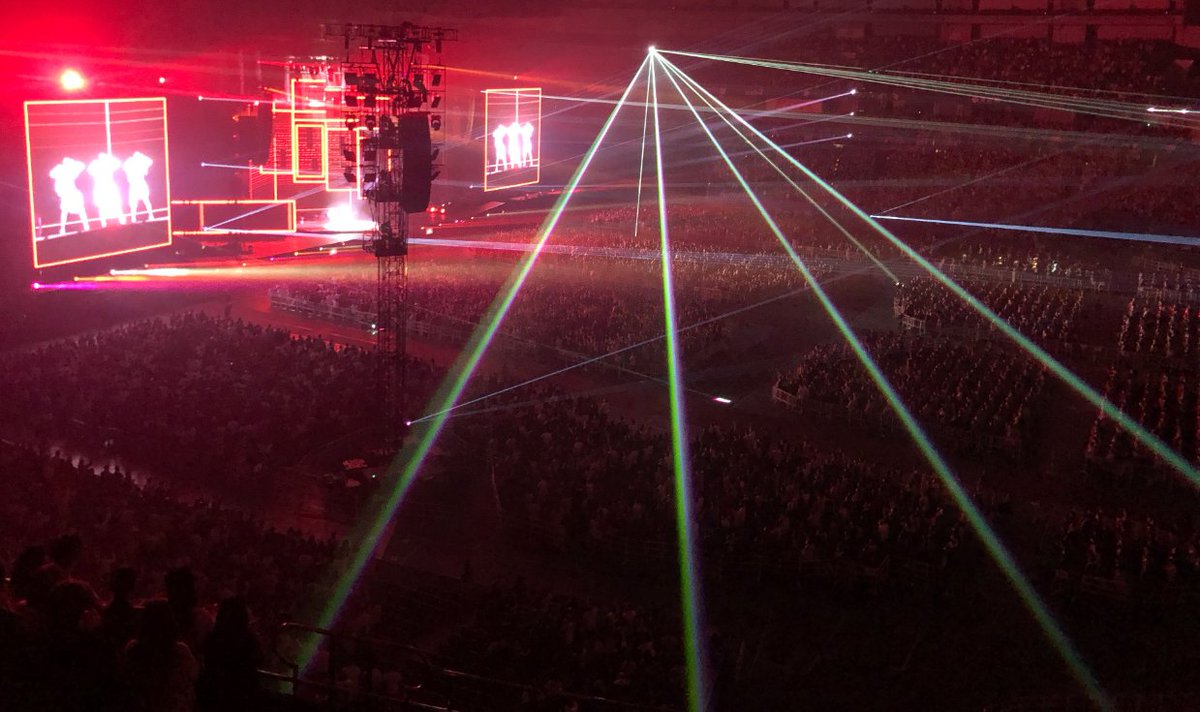 """本日初日を迎えた「Perfume 8th Tour 2020 """"P Cubed"""" in Dome」!#Perfume ライブ恒例のチーム分けは、「た」「だ」「い」「ま」でアットホーム感たっぷりでお届けしました!ご来場いただいたみなさまありがとうございました!!明日もよろしくお願いします〜✨#prfm #PCubed"""