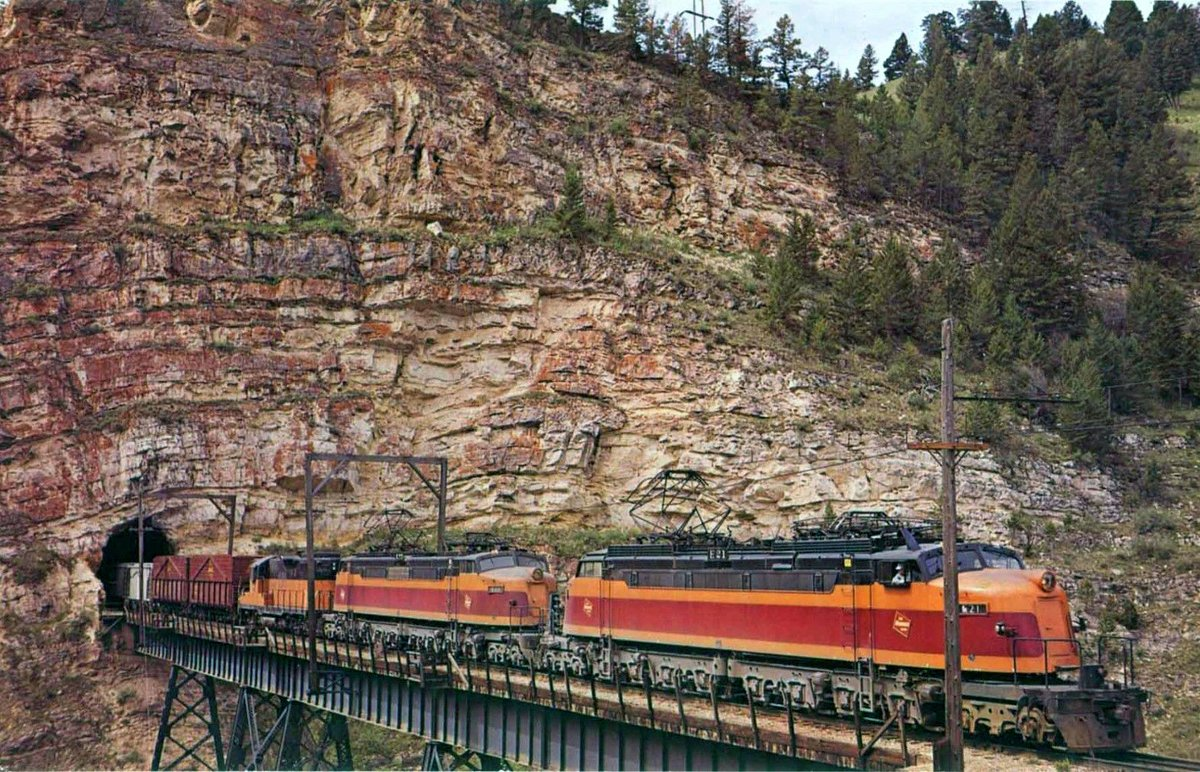 EPsfBd1XUAMc8xg - Electric Railroad through the Rockies