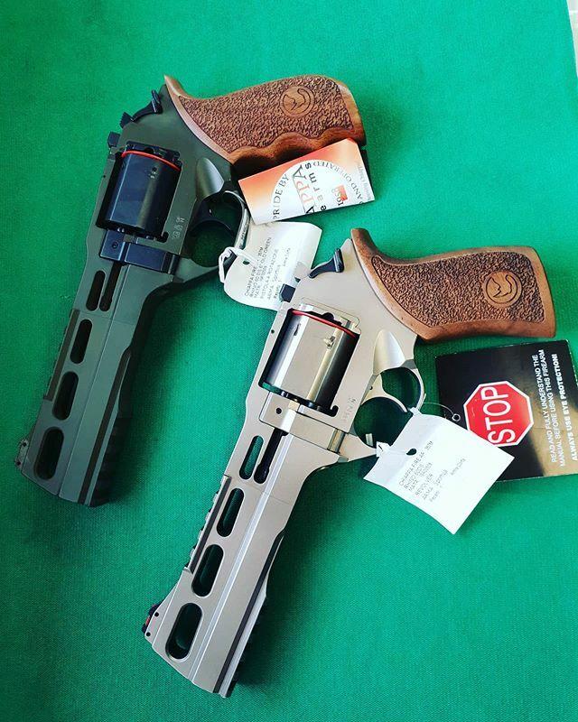 Revolver #chiapparhino #chiappa #chiappafirearms #calibro357magnum #revolver #pistoletamburo #revolver disponibili presso di noi.   dal 1974 con voi: per la caccia e per lo sport