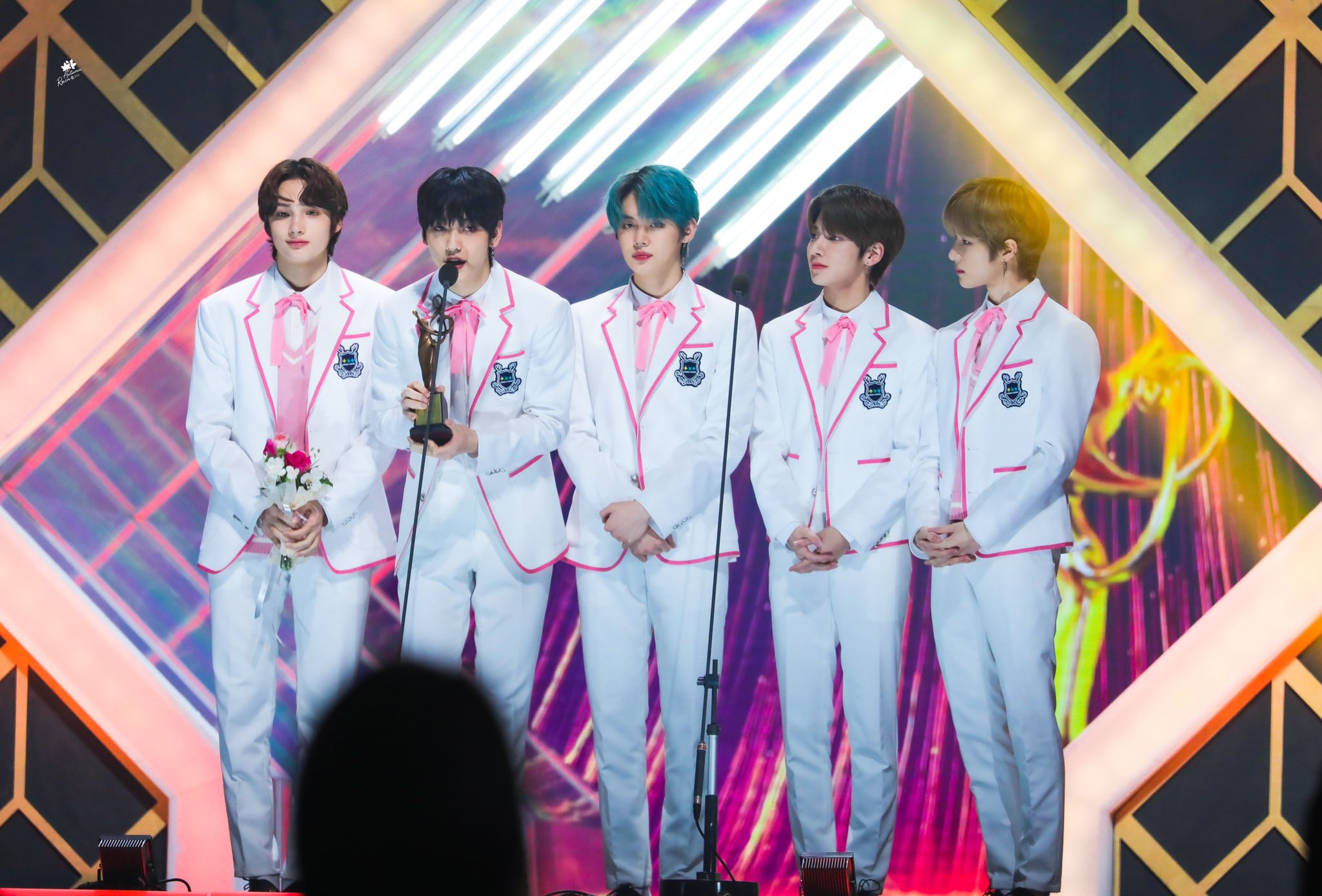 TXT Menang Rookie of The Year di Seoul Music Awards (SMA) 2020, Sempurnakan Gelar Rookie Grand Slam