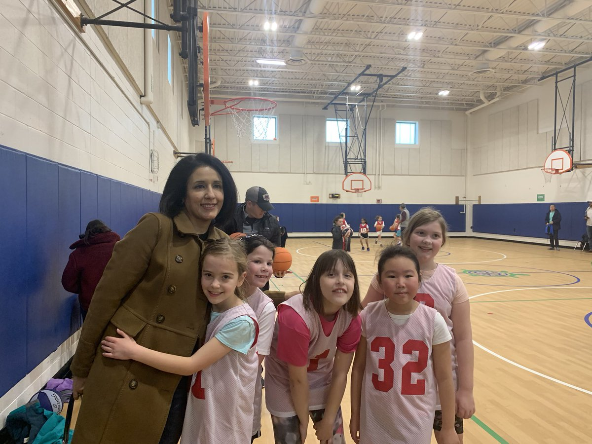 A great way to spend a Saturday morning watching the 3rd grade girls' basketball team showcase their moves on the court! Awesome game and thanks for inviting me! <a target='_blank' href='https://t.co/XLrkp37vXl'>https://t.co/XLrkp37vXl</a>