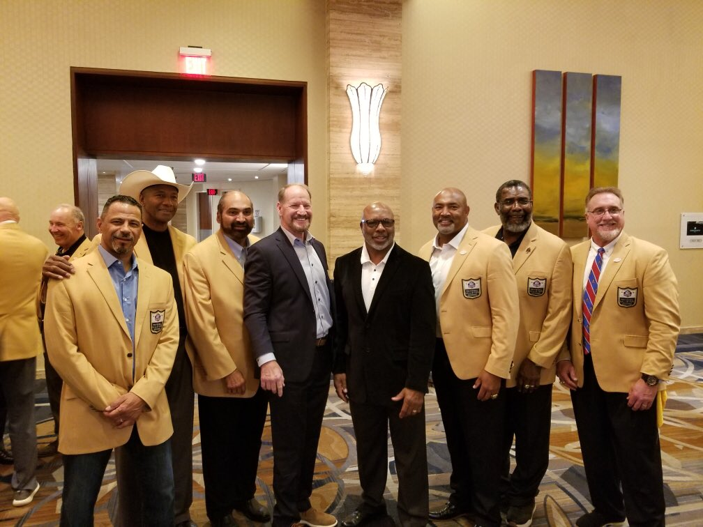 It was great to see our new STEELERS Coach Cowher and Donnie Shell going into the Profootball Hall of Fame. @steelers @sackmaster91 @CowherCBS @DermonttiDawson @francoharrishof @MelBlountYLI