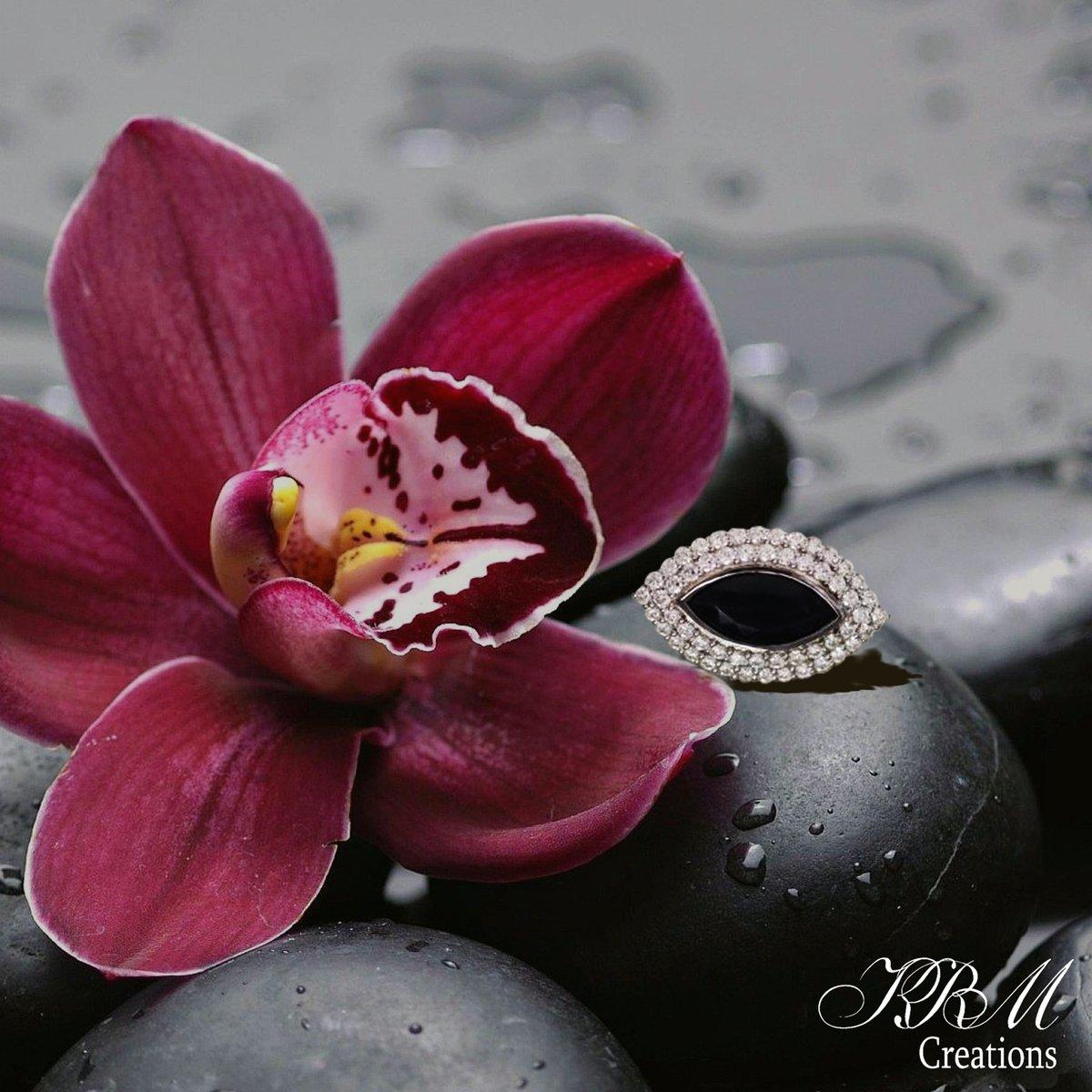 #happy #valentinemonth #feb #blackstone #highjewelry #whitetopaz #blackspinel #spinel #ring #silver #sterlinsilver