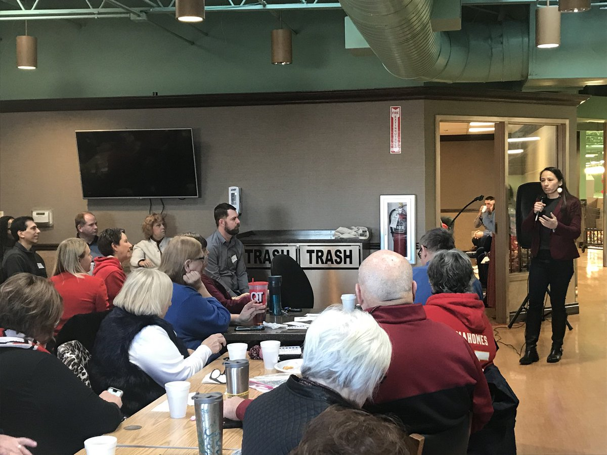 Joined local candidates at the @JoCoDemsKS First Saturday Breakfast in Lenexa this morning!
