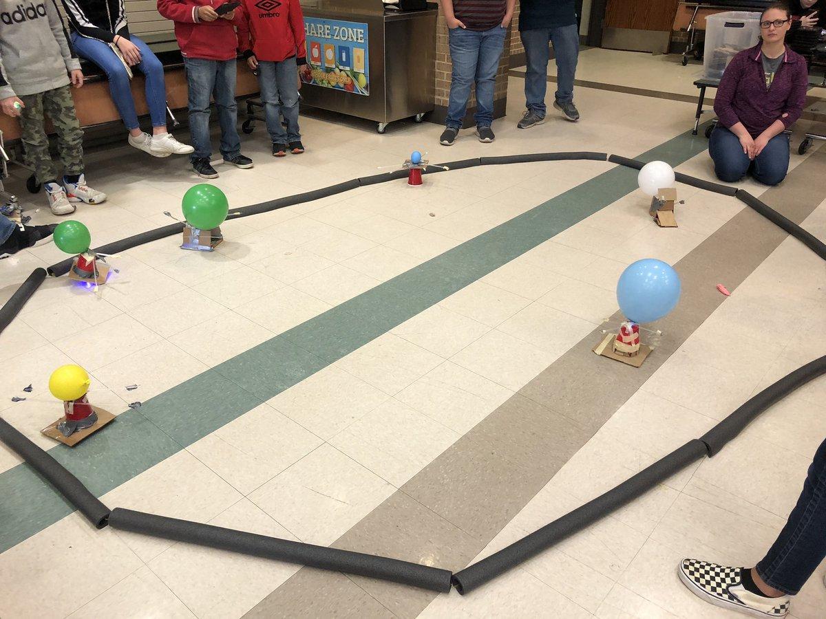 Students created a BattleBot design for a battle competition @JeniferWells16 @STEM_TXST #technologyisawesome #handsonlearningpic.twitter.com/1bXEritpvy