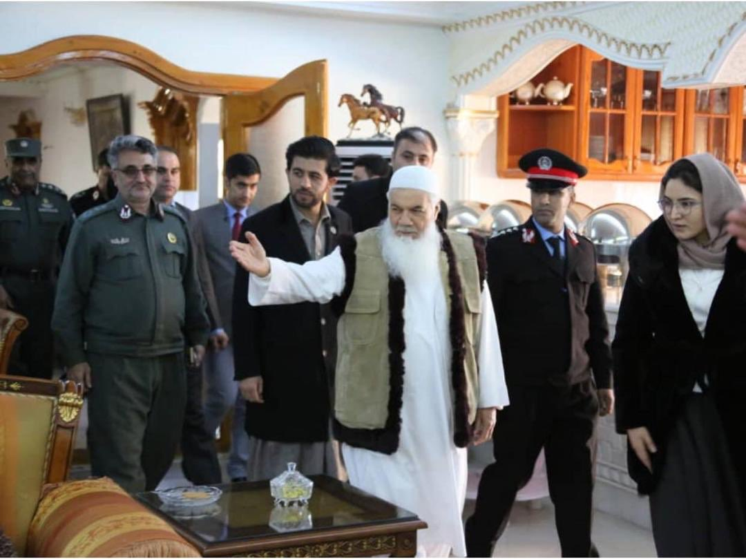 Herat: Had a long & productive conversation with Ameer Ismail Khan on 1) the role of post-peace police in the western province; 2) strengthening police-public support; 3) TBN's view on role of women in ANDSF and few other issues relevant to rule of law. <br>http://pic.twitter.com/ONjgAJtZp0