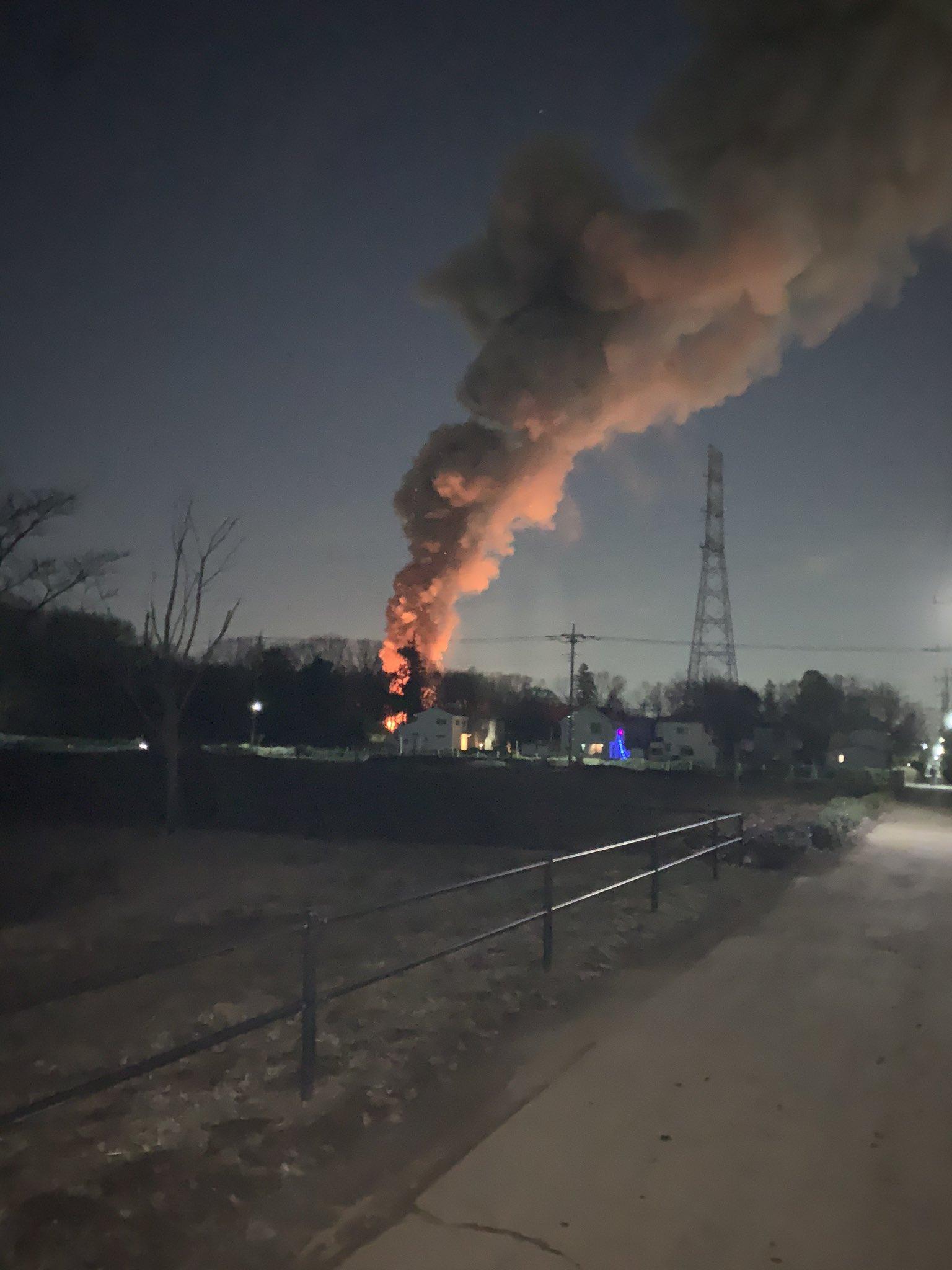 所沢市岩岡町で火事が起きている現場の画像