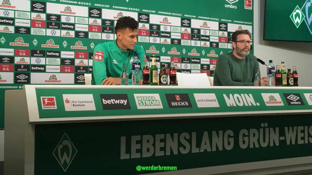 Und jetzt auch am   Nach dem Blitzlichtgewitter stellt sich @davieselke27 den Fragen der Journalisten #Werderpic.twitter.com/LDmheMA4mC