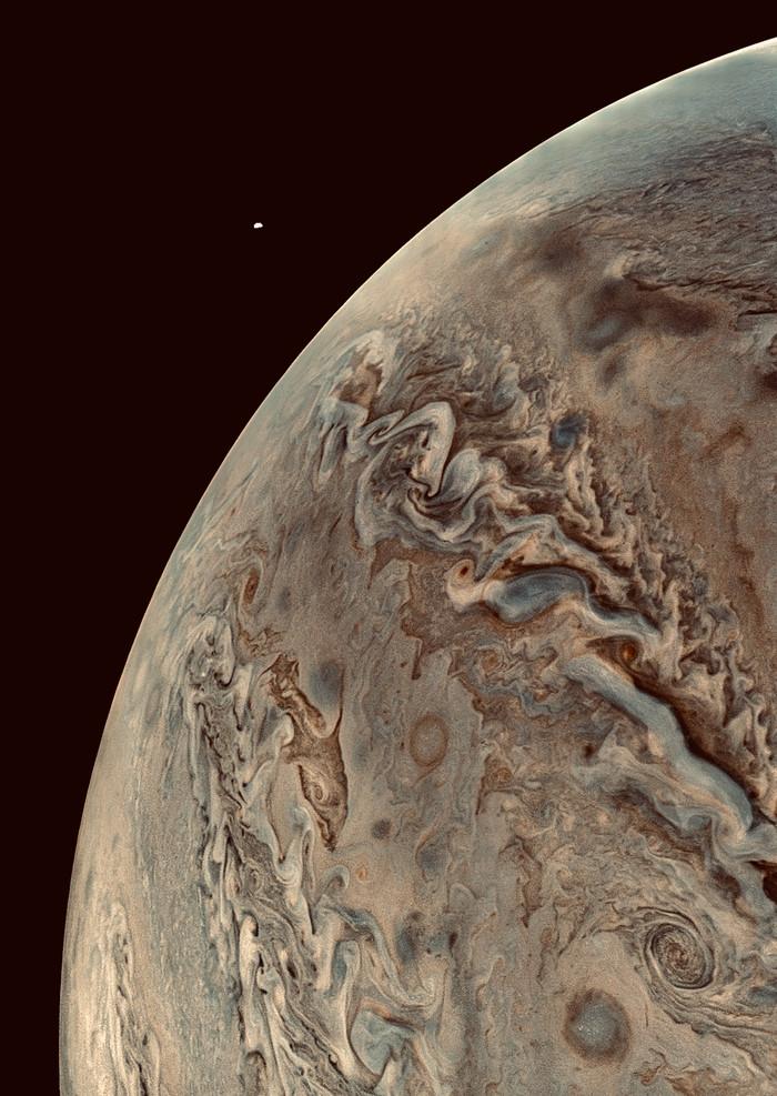 подробно о спутниках юпитера фото все представлен многослойным материалом