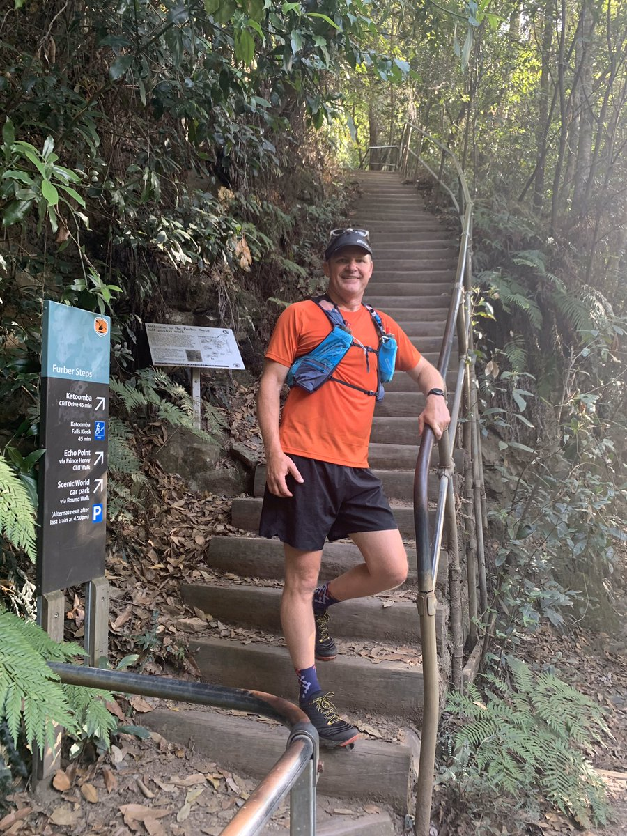 Taking the new shoes for a spin. Stairs, stairs and more stairs #ultratrailaustralia #squadrun #trailrunning #uta50 pic.twitter.com/9XXYkYVl45