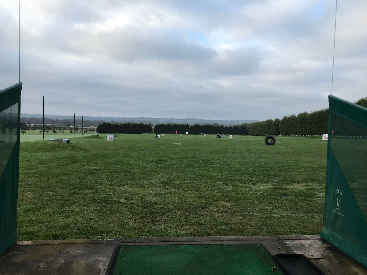 who doesn't love a quiet weekend?   #golf #drivingrange #weekend #halfpennygreen https://t.co/snjd3dXNxD