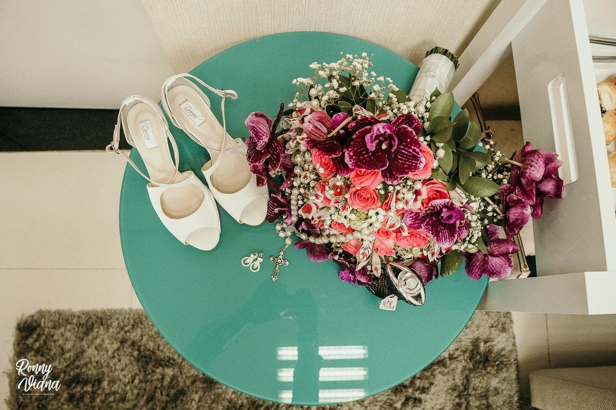 Making of da noiva!  #casamento #noivasp #nywedding #casamentonafazenda #amemais #casamentosnapraia #praiadorosa #vestidosdemadrinha #vestidodenoiva #casamentonorosa #casamentonapraia #bridetobe #bohochic #casamentonocampopic.twitter.com/FSdn4GFI7U