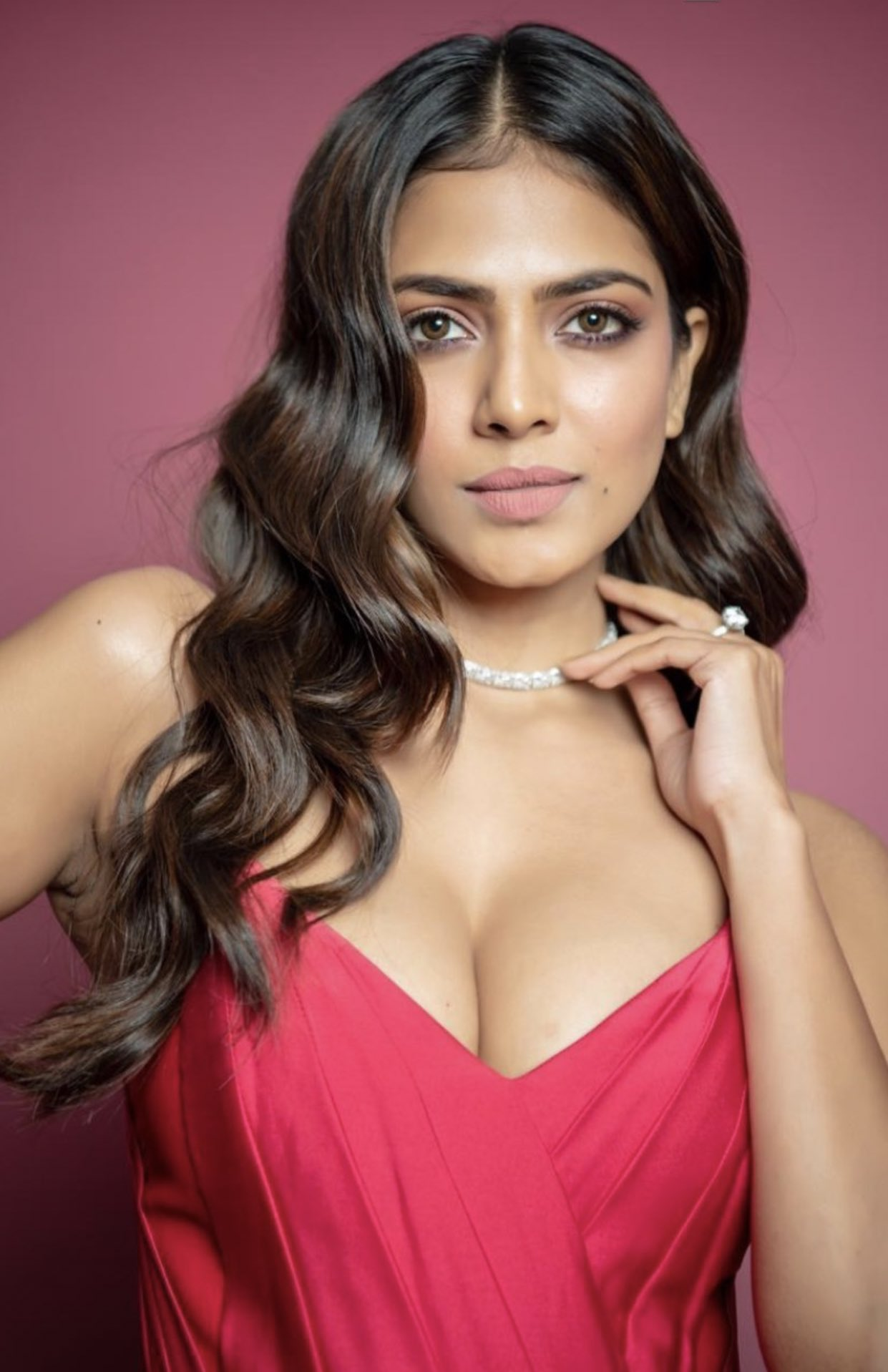 Malavika Mohanan Hot Sexy Gorgeous Cute Pictures Cute Pictures