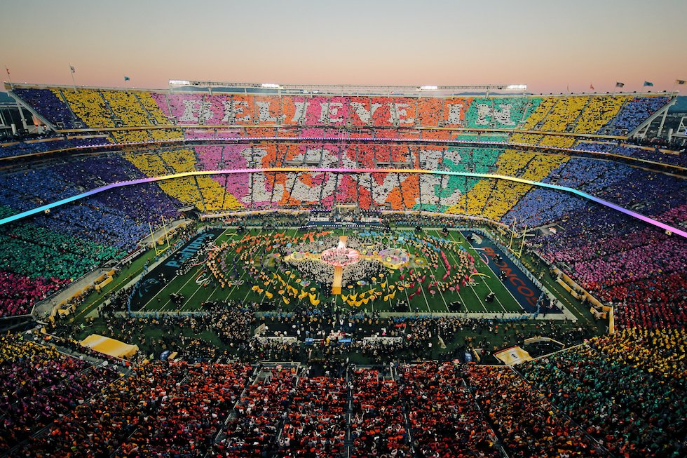 Remember when one iconic band transformed the SuperBowl halftime show into a beautiful message of love and kindness. #SuperBowl #SuperBowl2020 #SBLIV #SuperBowlSunday #Coldplay #SB50pic.twitter.com/XfnDnU6DUK