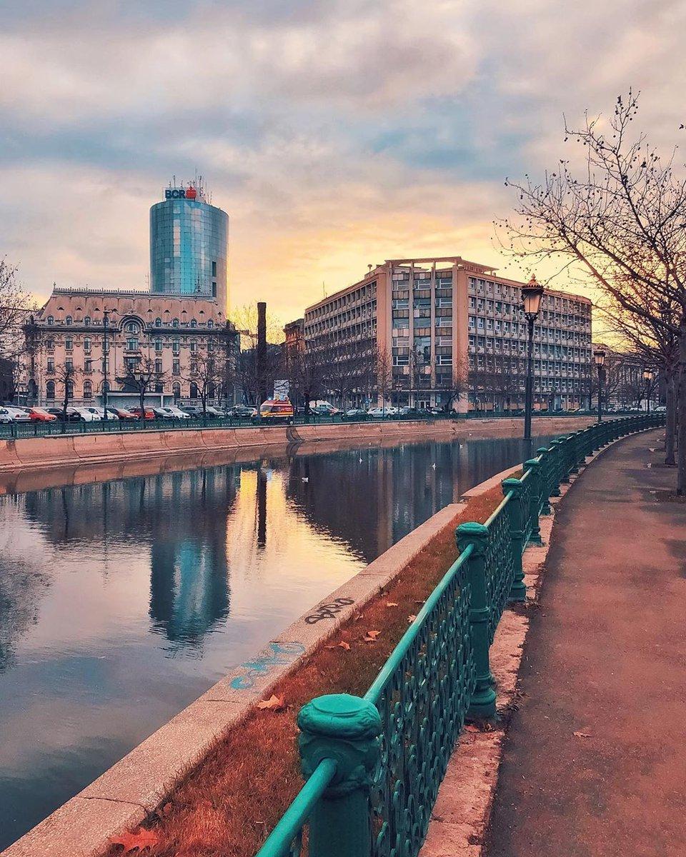 . . . . #bucharest #romania #city_explore #discoverbucharest #ig_europe #living_europe #ig_romania #cityscape #moody #ig_captures #citybestpics #igworldclub #tv_living #passionpassport #creatorswillcreate #arhitecturephotography… http://dlvr.it/RPFdNQpic.twitter.com/ynrNm7Q26H