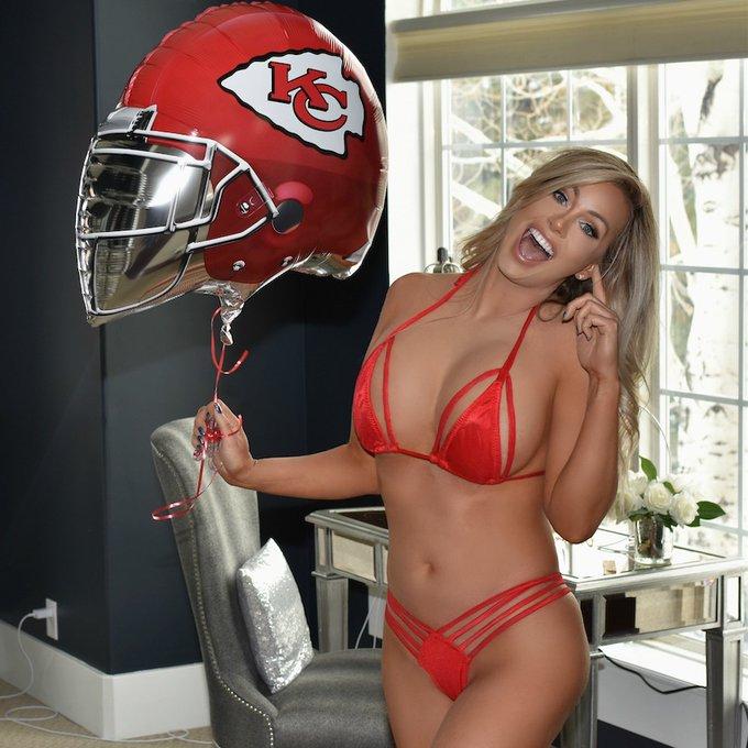 #BikiniBowlPicks loves the #Chiefs! #SuperBowl #KansasCity #KansasCityChiefs https://t.co/kF8ANl1FoP