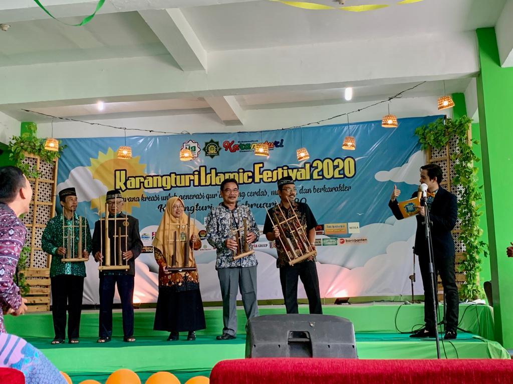 Karangturi Islamic Festival Meriahkan Milad SD Muhammadiyah Karangturi http://dlvr.it/RQBzFYpic.twitter.com/PjfqkiCsKD