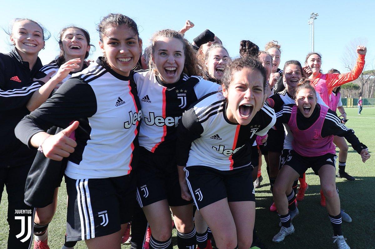 Alle 15 in campo le ragazze della #Under19 femminile per #FiorentinaJuve, semifinale della #ViareggioWomensCup.  Ecco la formazione delle bianconere: Beretta; Sciberras, Brscic, Masu, Toniolo; Musolino, Silvioni; Bragonzi, Bellucci, Berti; Beccari.  FORZA RAGAZZE! 💪