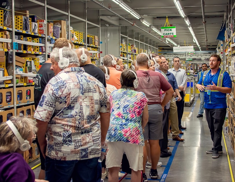 Stand-up comedian? Or Amazon tour leader? B.J. Courchaine incorporates both talents as a tour leader every day at our Phoenix fulfillment center. . https://amzn.to/2SgdV7u pic.twitter.com/0Dw5e3uJcv