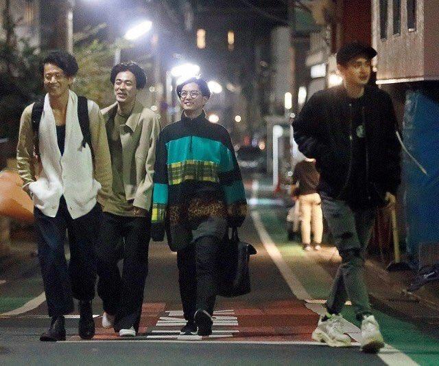 小栗旬と成田凌と千葉雄大と瀬戸康史が一緒に飲んでたとかエモすぎるだろ……混ぜてくれ金はいくらでも払う。