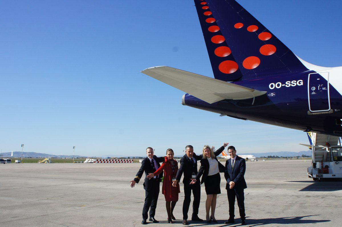 Bienvenidos a Valencia! Starting today @FlyingBrussels will be connecting Valencia with the Belgium capital four times a week. @aena #Inaugural https://t.co/E1d8lsbZ0Z